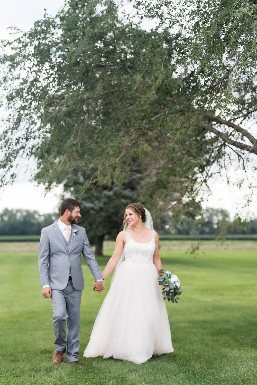 Rustic Farmstead North Dakota Wedding | Chelsea Joy Photography
