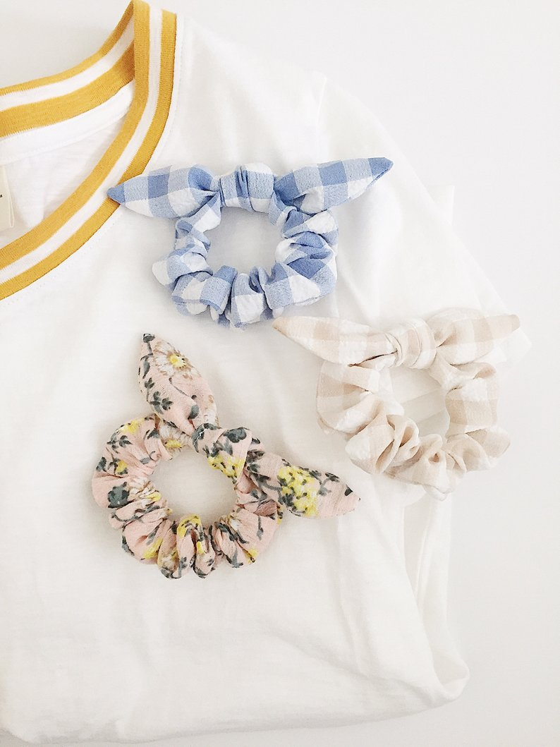 floral bow scrunchie.jpg