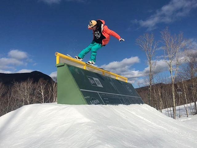 @fenway in her natural habitat at @loonparksnh. The past weekend at Loon was the ultimate blast! Can we do it again already?? 📷 @qcastellet #btbounds #looneverday #parkandpowclub #thankaparkranger #greenmonster
