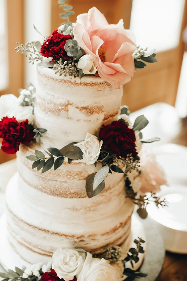 Photo: Kattie Day Sutter Photography | Florals: S. Chapman Designs | Cake: Kaylynn Cook