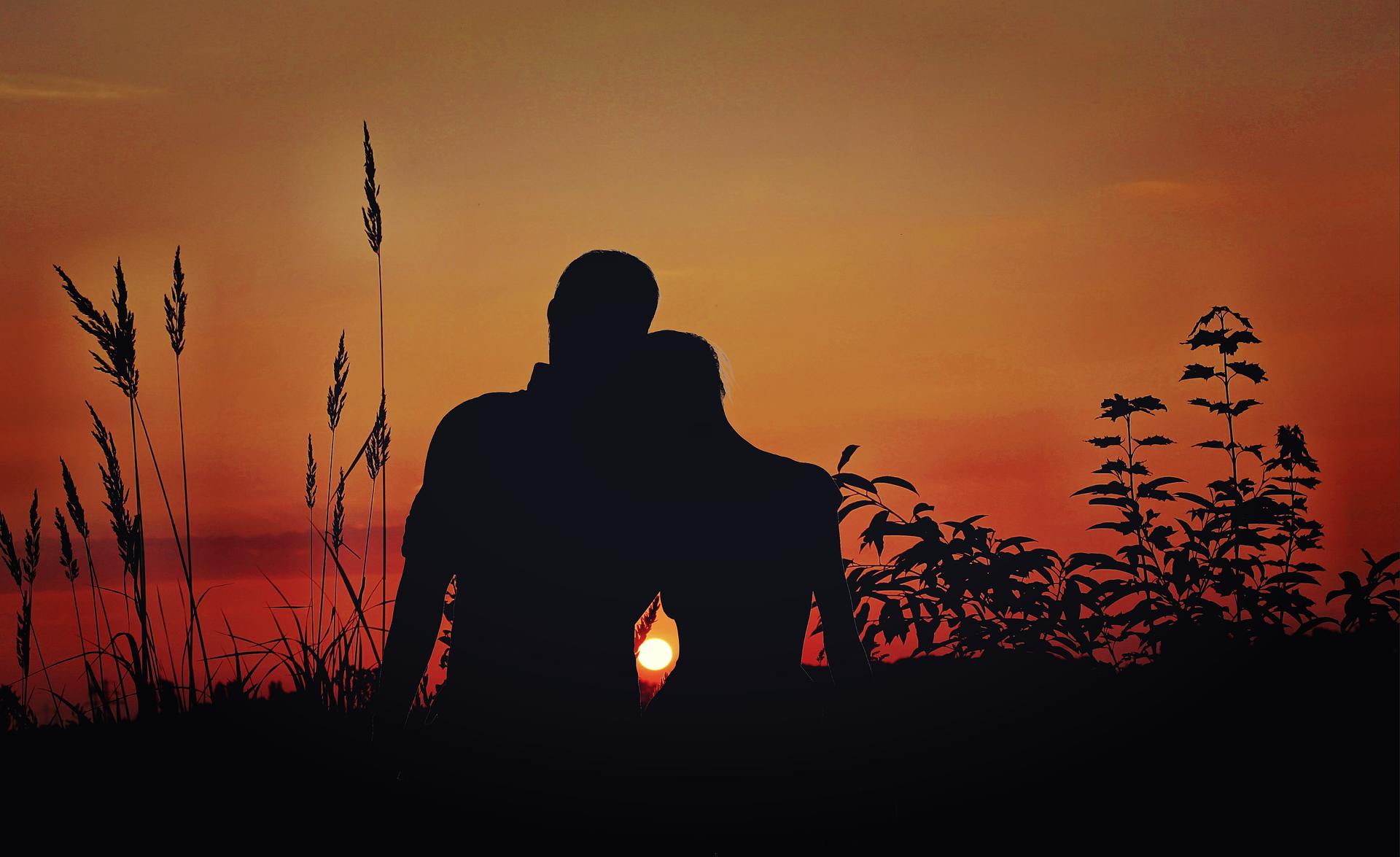 Folsom Granite Bay El Dorado Hills picture happy couple at sunset