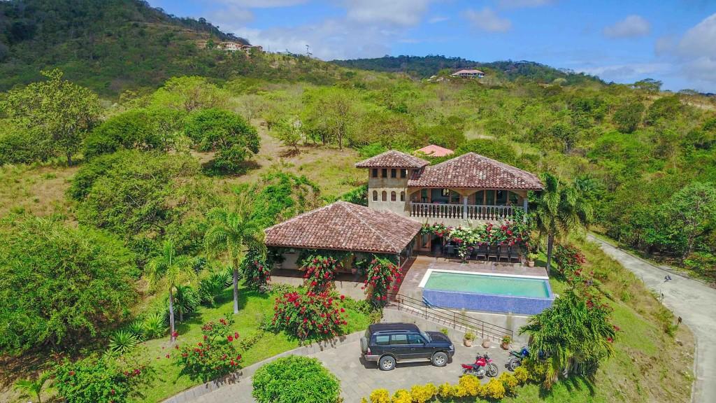 Real estate in San Juan Del Sur, 3 bedroom Colonial Syle 1.jpg