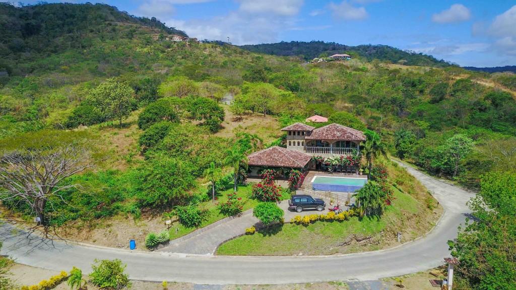 Real estate in San Juan Del Sur, 3 bedroom Colonial Syle 3.jpg