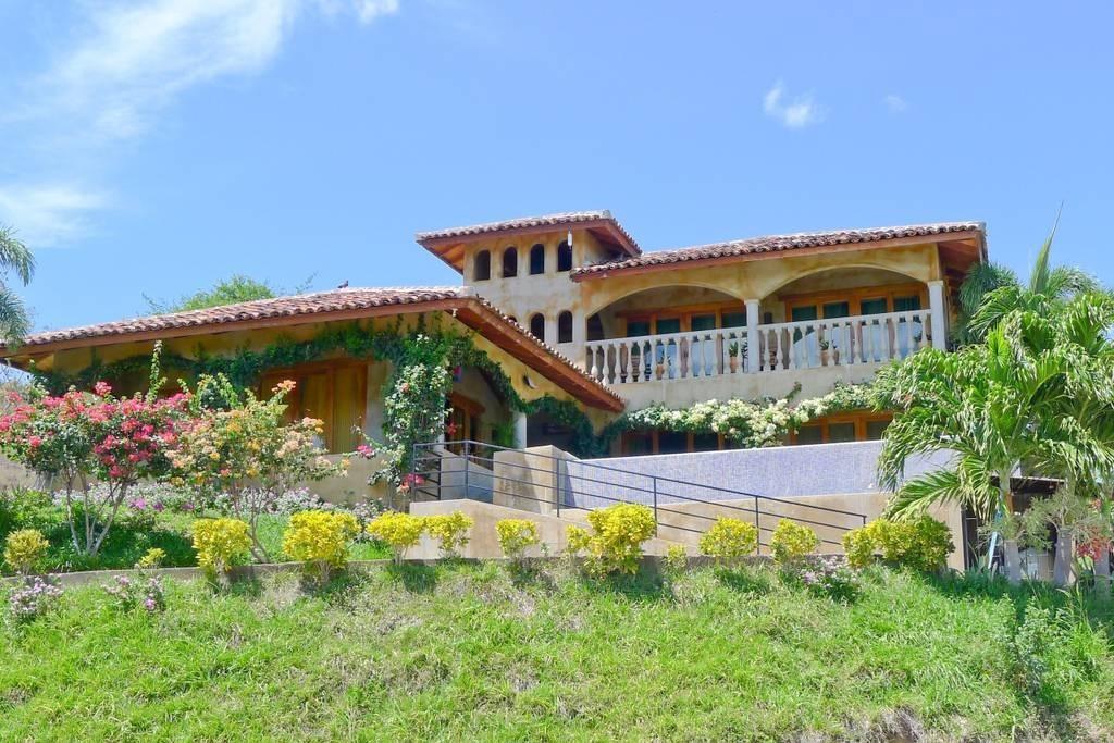 Real estate in San Juan Del Sur, 3 bedroom Colonial Syle 5.jpg
