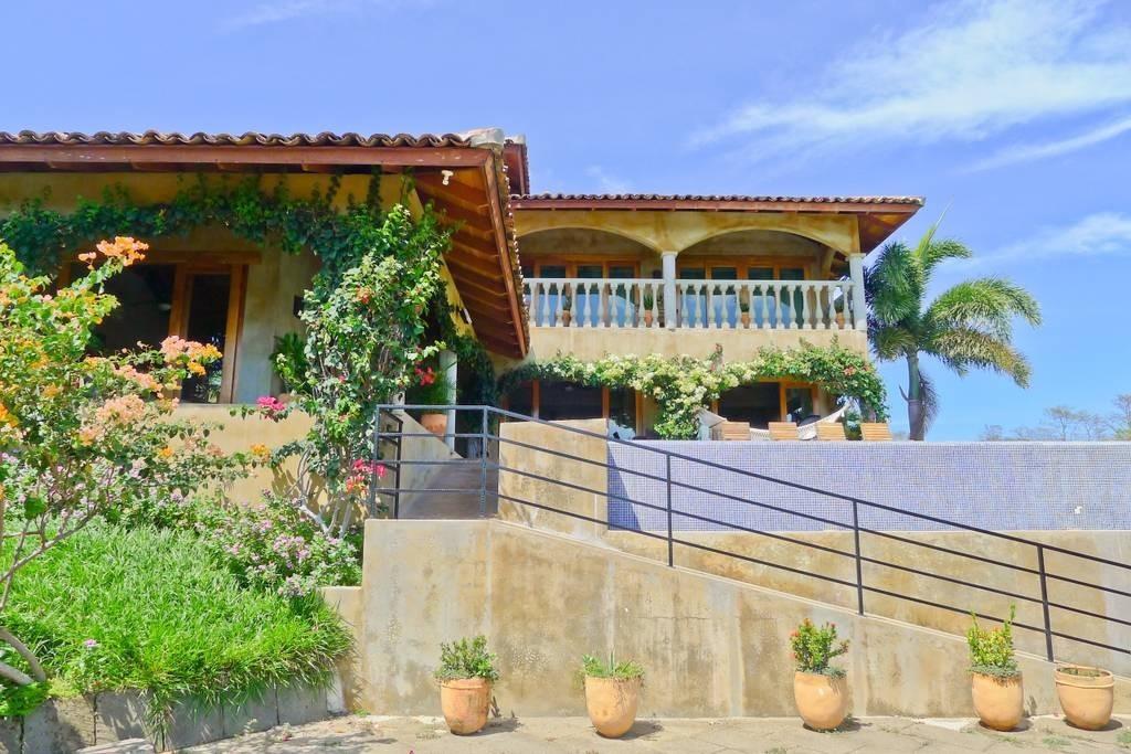 Real estate in San Juan Del Sur, 3 bedroom Colonial Syle 25.jpg