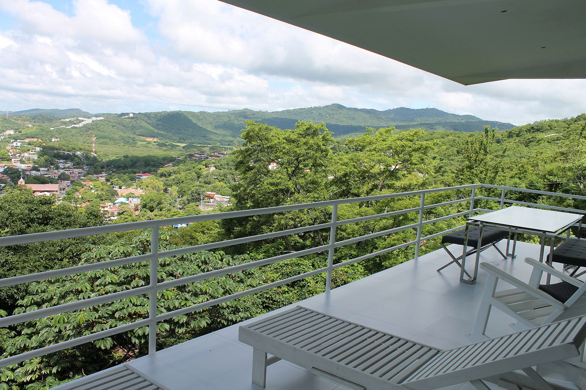 Balcony3-02.jpg