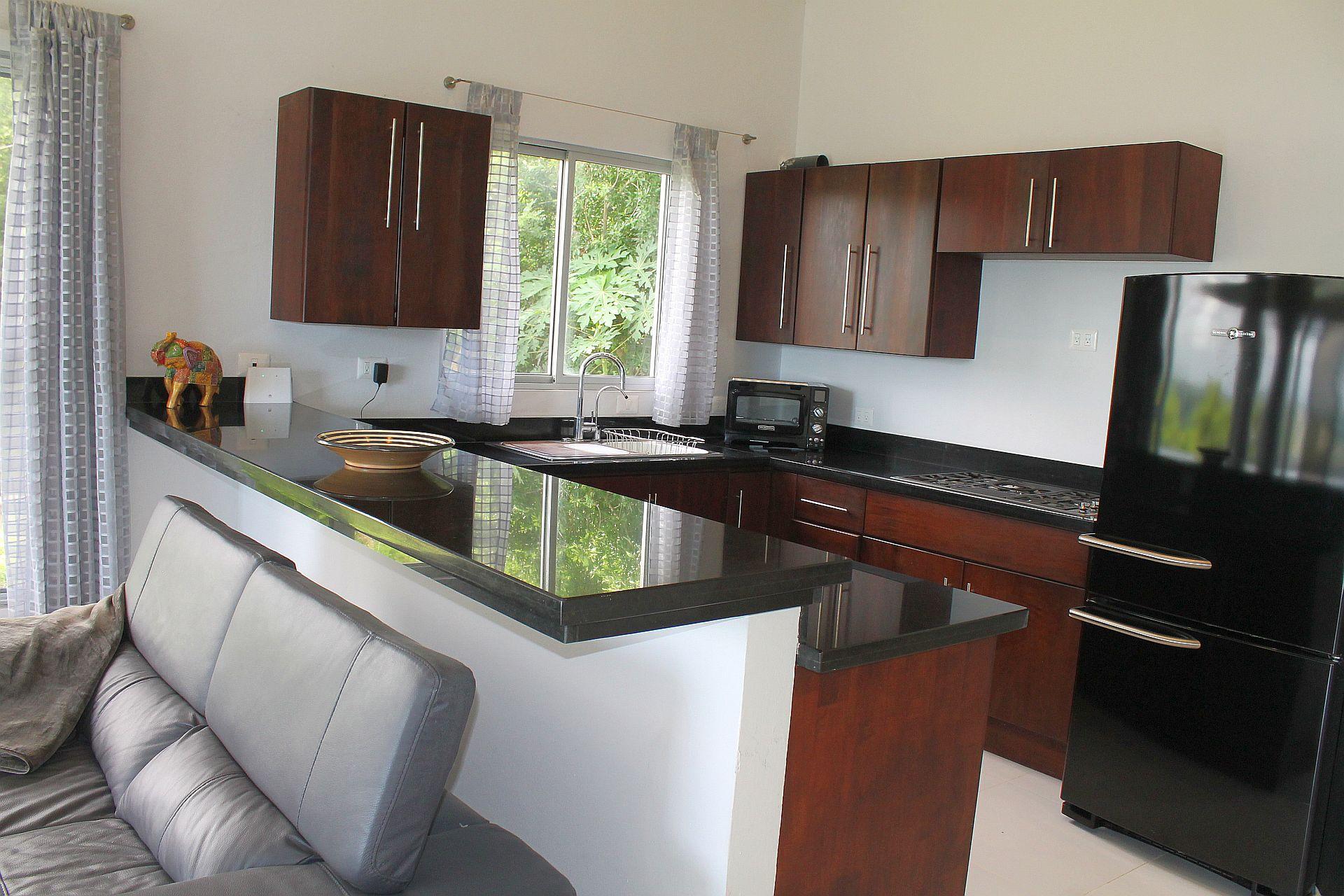 Kitchen2-06.jpg