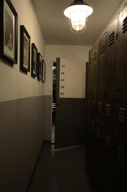 Hallway to Dungeon & storage