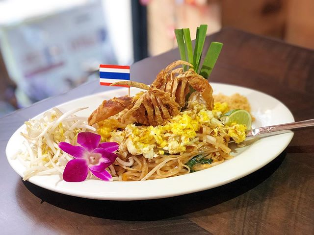 One and only @topthai_greenwich  Chef section special of the week - pad Thai with crab meat and soft shell crab 🦀 . we made the dish unique with love @topthai_greenwich . Folks get ready for this ? Don't forget to ask this item when you dine in. Limited quantity with high quality food. . Who doesn't like good food. Let alone excellent food @topthai_greenwich  #abc  #topthai  #topthainyc  #topthaifood  #topthaidrink  #topthaigreenwich  #topthaigreenwich  #thaifoodstagram  #thaifood #steak  #likes #like4like #likeforlike #like4follow #likeforlikes #followme #following #follow4follow #followforfollow #like#food #foodie #food52 #foodporn ##foodblog #likeforfollow #likeforlikes #like4follow #halalfood #certifiedhalal #steak #tgif