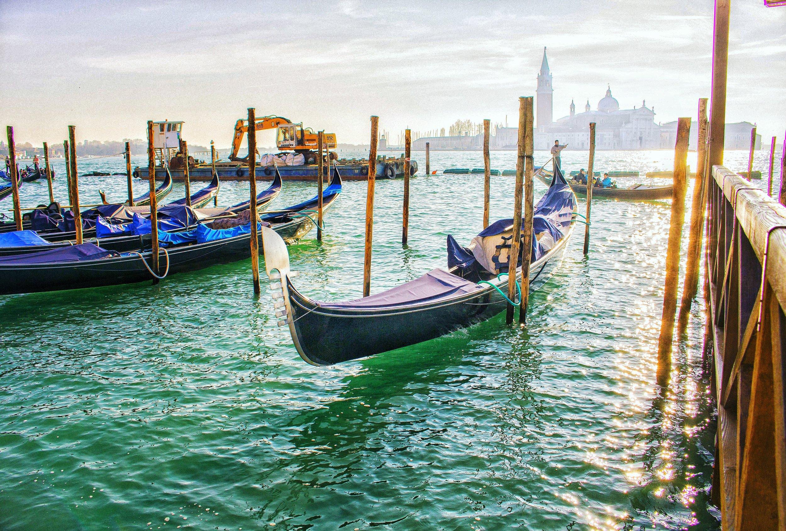 Venice boat.jpg