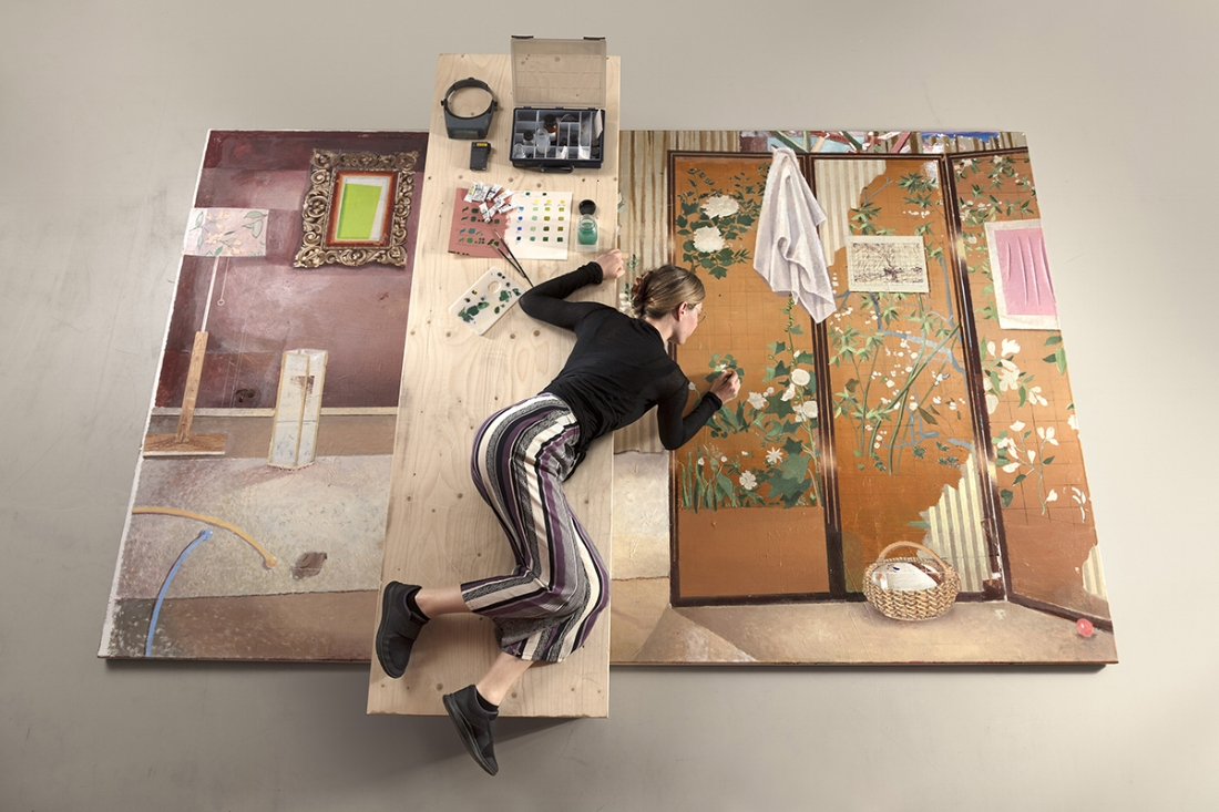Paneele  retoucheren op houten brug -Foto Gerrit Schreurs