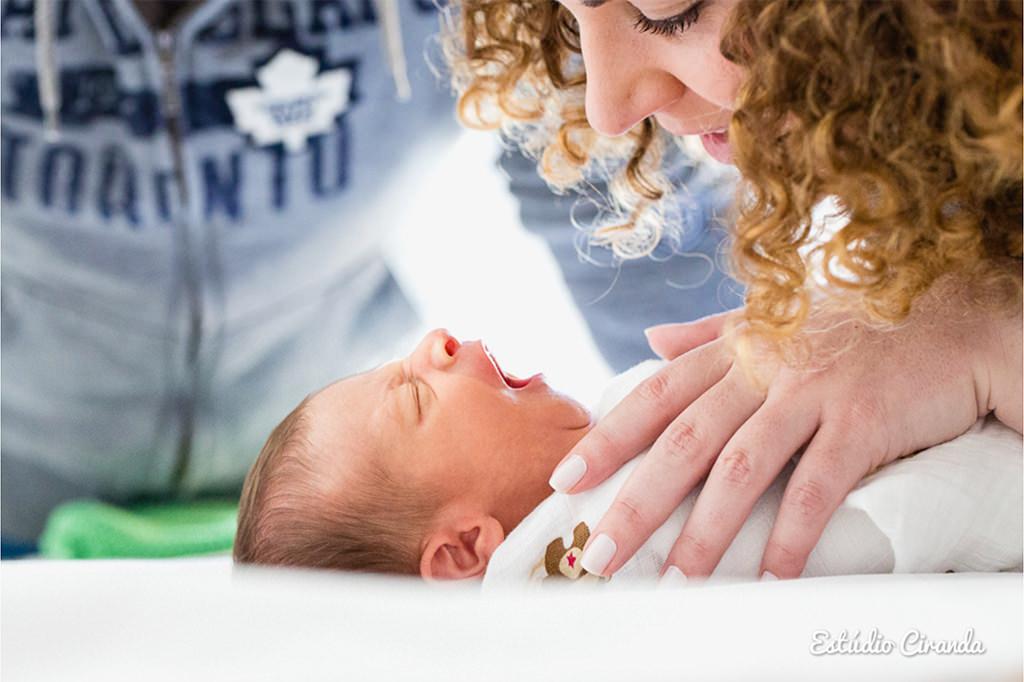 ensaio -recém nascido  Ensaio fotográfico com bebê recém nascido realizado no apartamento da família.    Veja mais