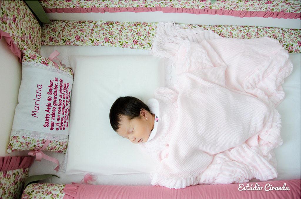 ensaio BEBÊ- 10 dias  Ensaio fotográfico realizado no apartamento, com a pequena Mariana aos 10 dias de vida.    Veja mais