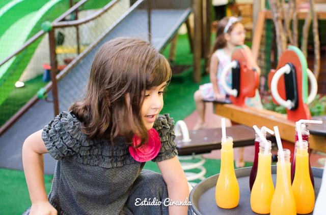 festa-infantil-estela-5-anos-buffet-la-no-quintal-12.jpg