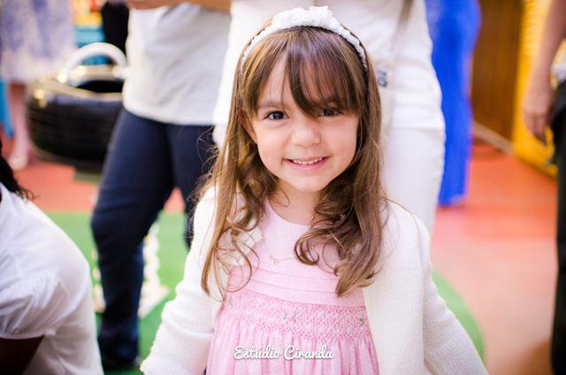 festa-infantil-estela-5-anos-buffet-la-no-quintal-25.jpg