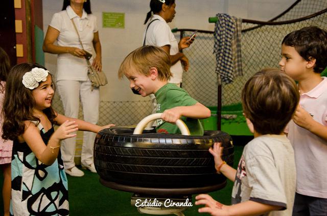 festa-infantil-estela-5-anos-buffet-la-no-quintal-26.jpg
