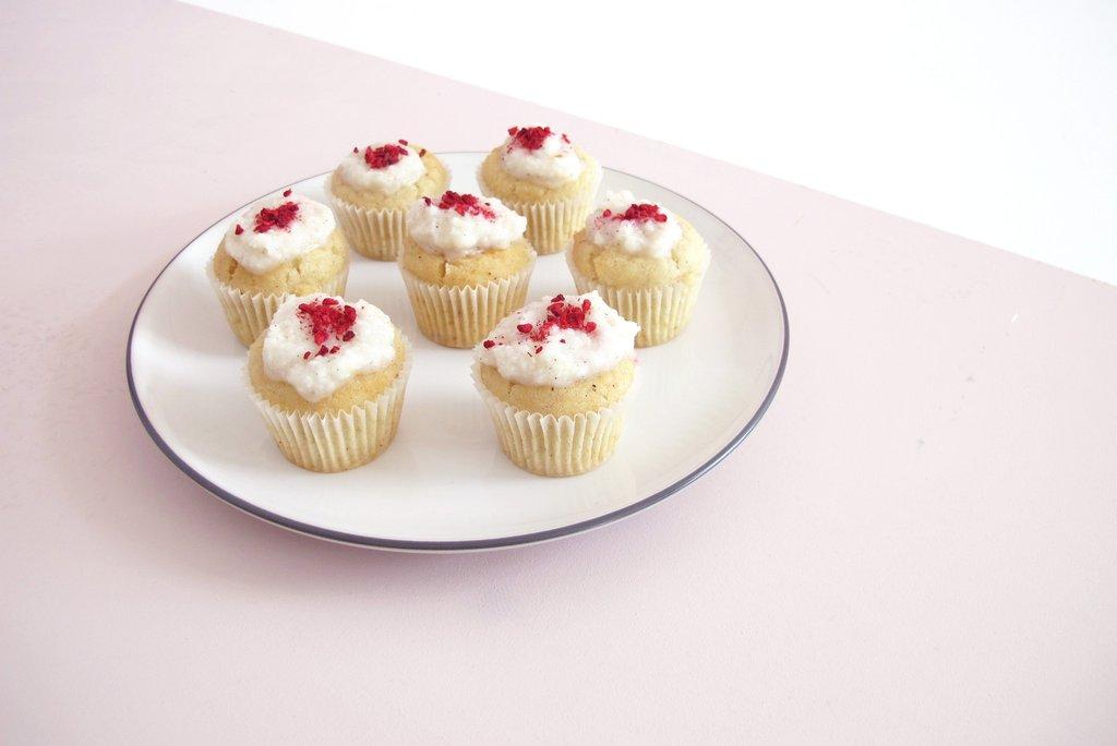coconut raspberry babycakes.jpg