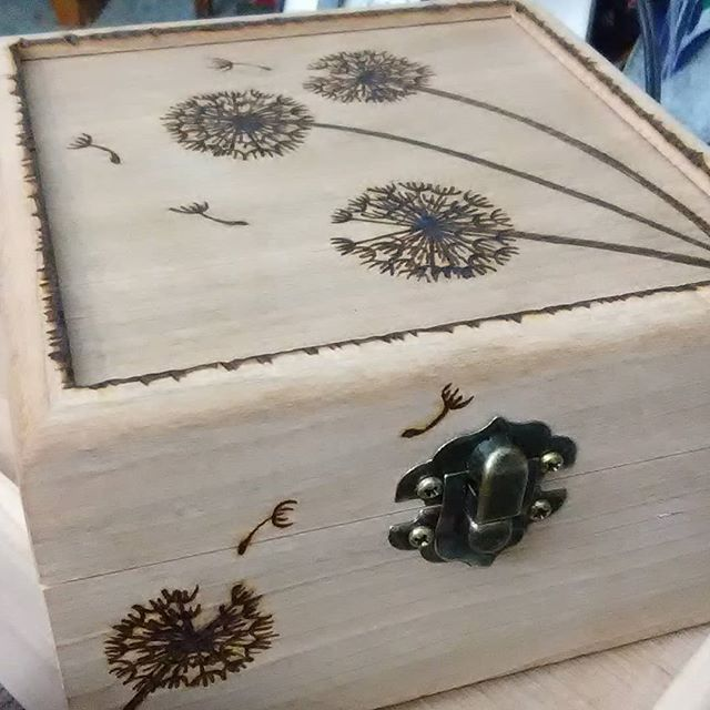5x5x3 dandelion wish box.  #dandelionart #dandelions #dandelionfluff #makeawish #pyroart #pyrography #woodburning #woodburned #woodburnedart #artforsalebyartist