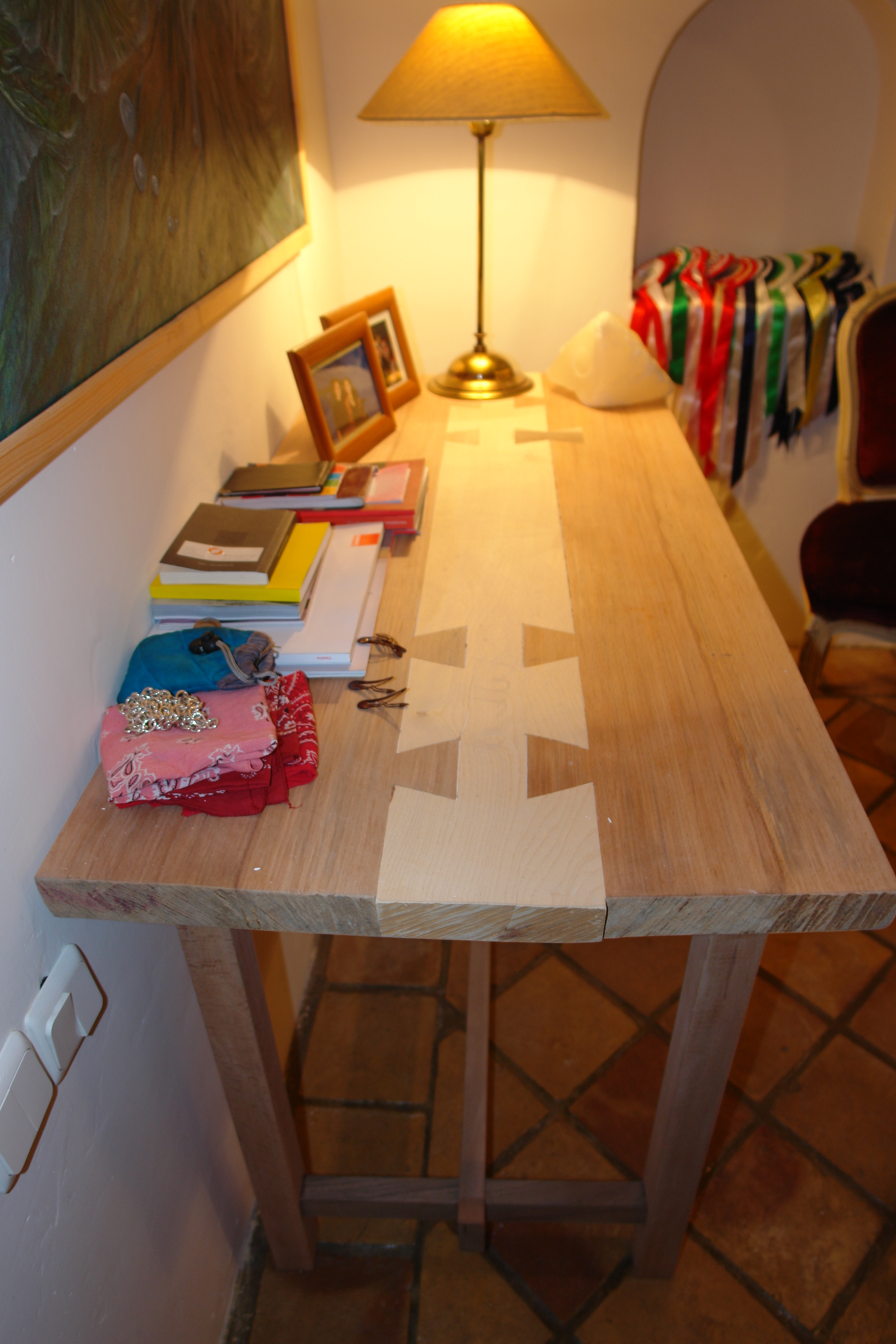 Dovetail Centred Strip Entrance Table