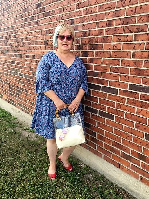 robe bleue manches cloches.jpg