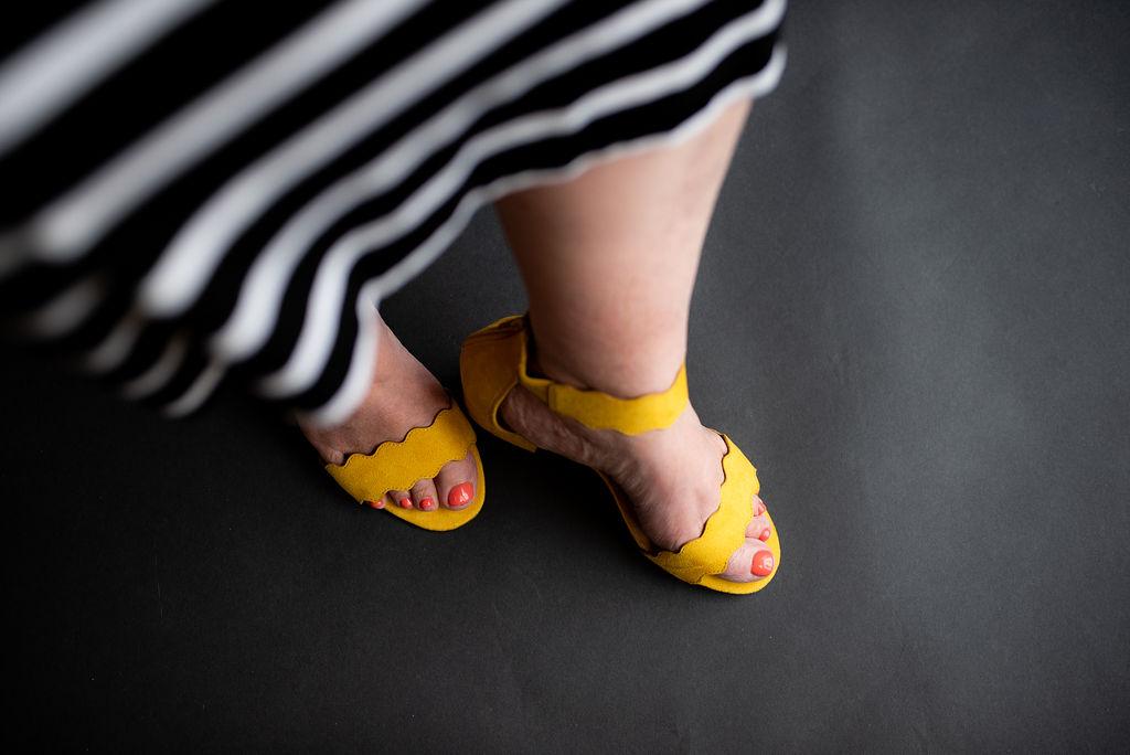 souliers jaunes.jpg