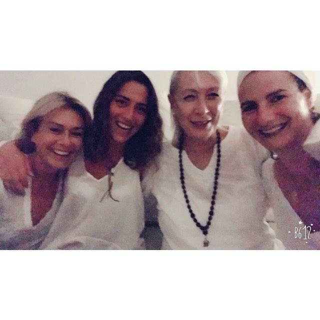 SATNAM 🙏🏻 my Kundalini master and my Mother ! Feeling bontyfull,beautiful, blisslifull ! Namaste 🙏🏻 #whitelight #pure #peace #bliss #beauty #thursdaynightlight#kundalini