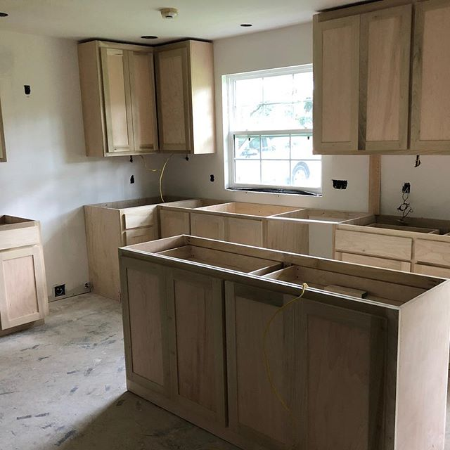 Kitchen Remodel. Cabinet install day. Making progress. #remodel #newkitchen#batonrouge#projectinprogress#interiordesign#interiordesign#cabellcooperdesign
