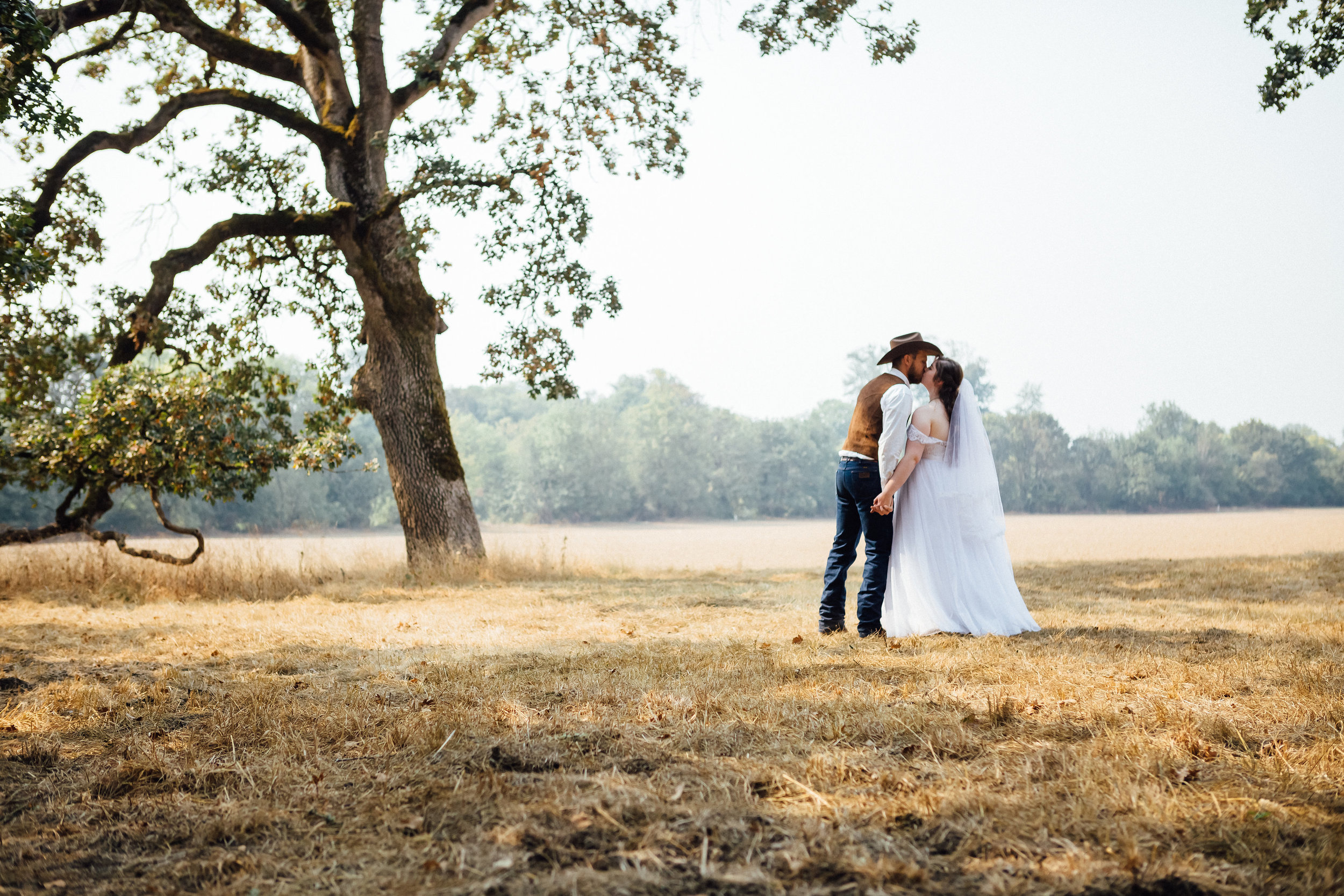 corvallis-oregon-wedding-photographer_Smith-Farms-Prechel-bridal-portrait.jpg