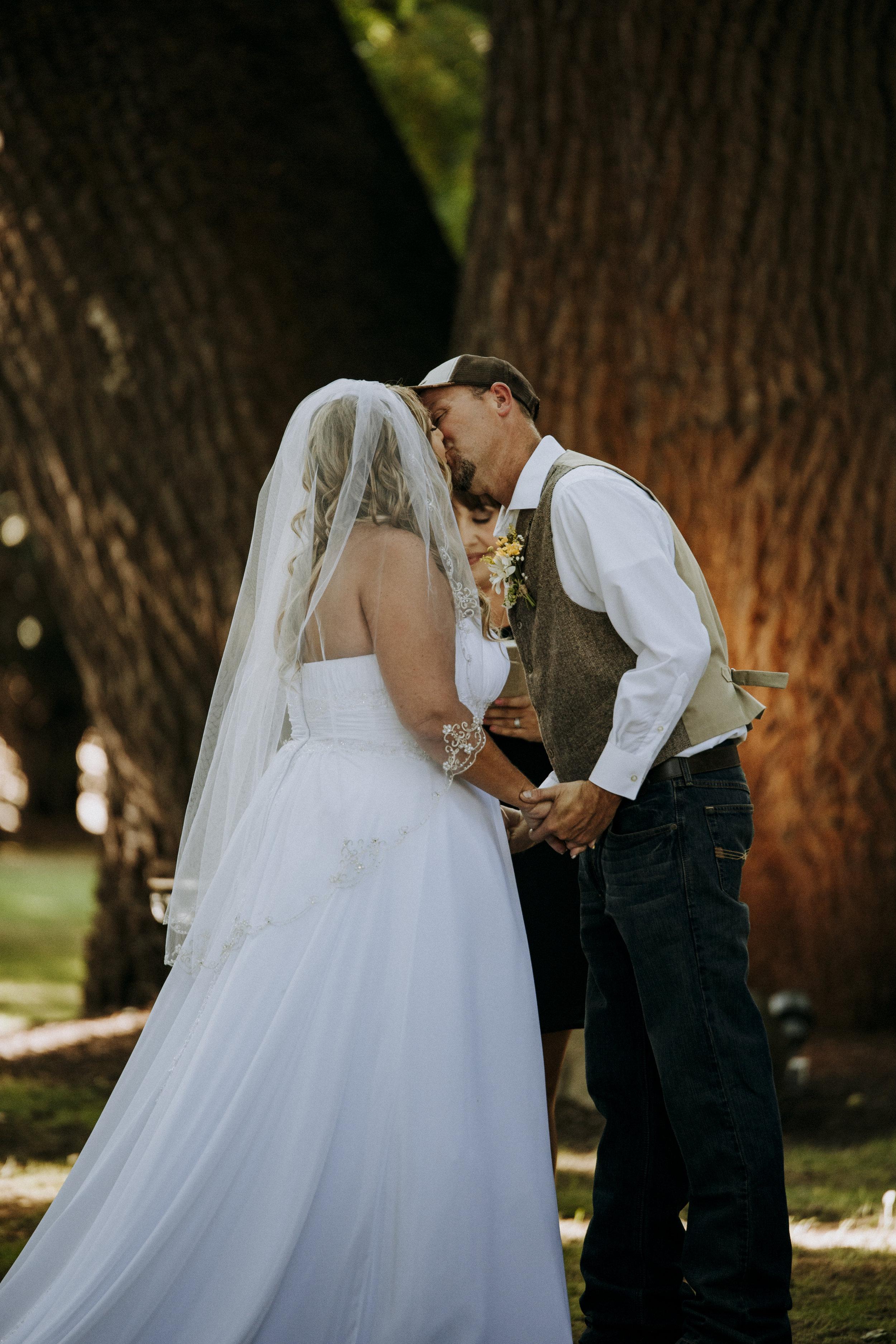 Julie-Rob-Wedding31.jpg