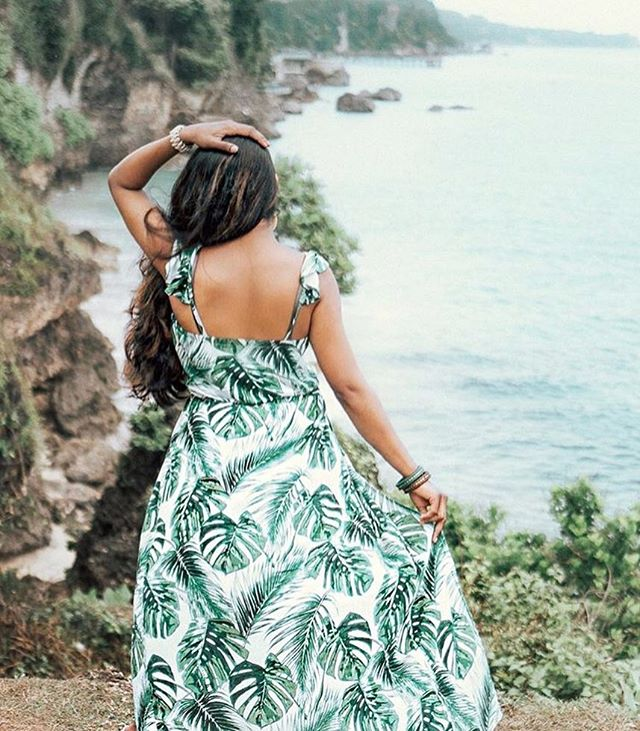 At our luau happening THIS TUESDAY on JULY 24th we want EVERYONE to show up in their BEST hawaiian attire! It could be from flower crowns, your dad's hawaiian shirt, or even puka shells! . . Do you know what you'll be wearing?! If so, what and where did you get it from?! 🌸💕☀️(Photo: @sveeteskapes)