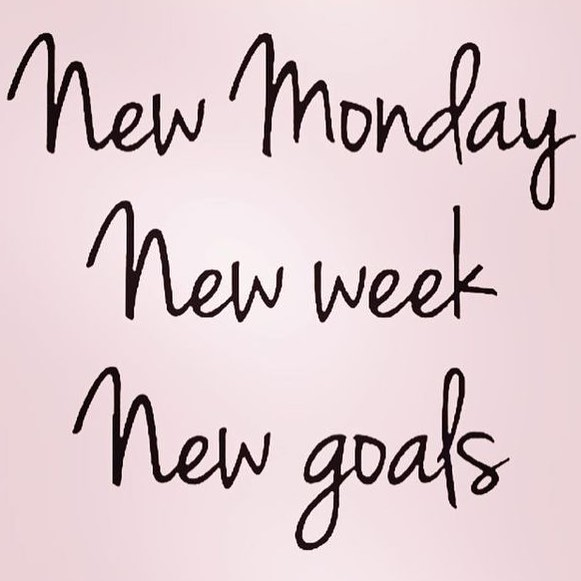 Anyone else already thinking about goals they want to achieve for 2019?! We sure are! ✨ ✨ However, its important to make sure they are ATTAINABLE and one way to help out with the bigger goals is to set small ones EVERY WEEK and even smaller goals of what you want to get done EVERY DAY! ✨ ✨ What's your goal for this week?! Is it helping reach that bigger end goal you have in mind? 💕 #mondaymotivation
