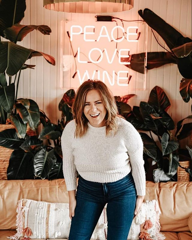 Lauren here👋🏻 Your Toronto Chapter leader! _ I'd LOVE to get to know you all! Whether you're new to our @businessbabesco community or have been part of this inspiring Toronto Chapter so for, comment below and introduce yourself💖  _ 📸@katgaskin