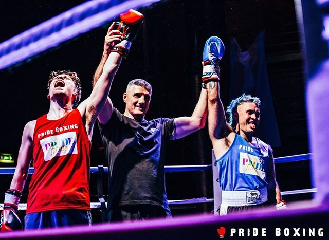 what a great match! 💯🥊 (you can thank me later for the gay #armporn 💪🏼) a big TY to @prideboxinguk for the most intense experience of 2019- make sure you catch me at the next gay fight!!! 🌈🤼♂️💋