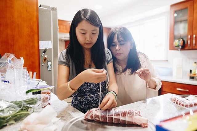 Last cooking class taught by Hoa Tran and Anh Le, best friends of 20 years. Jessica Giang testing out her tying skills. #xoiconnected #stayhungry #happytummy