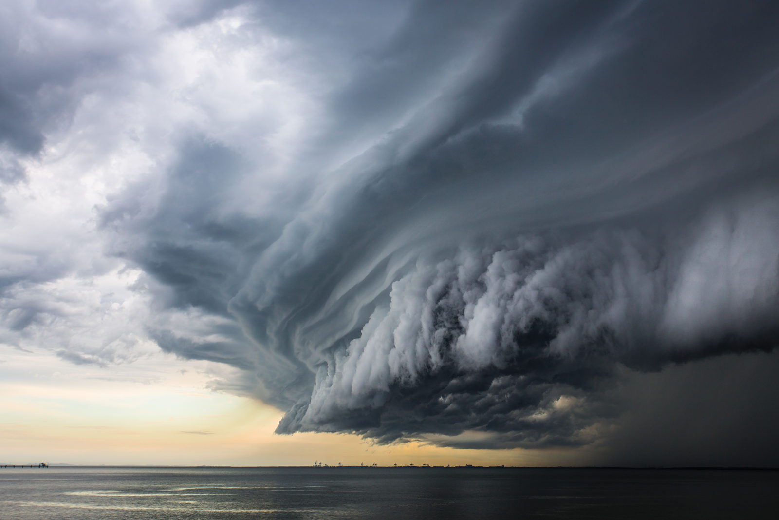Stormy weather will persist (Photo from: Google)