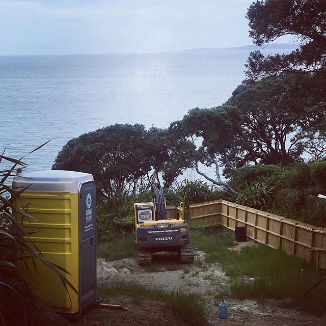 Loo with a view!! #constructionsite #portaloo  #nicercleanerloo #freshflush