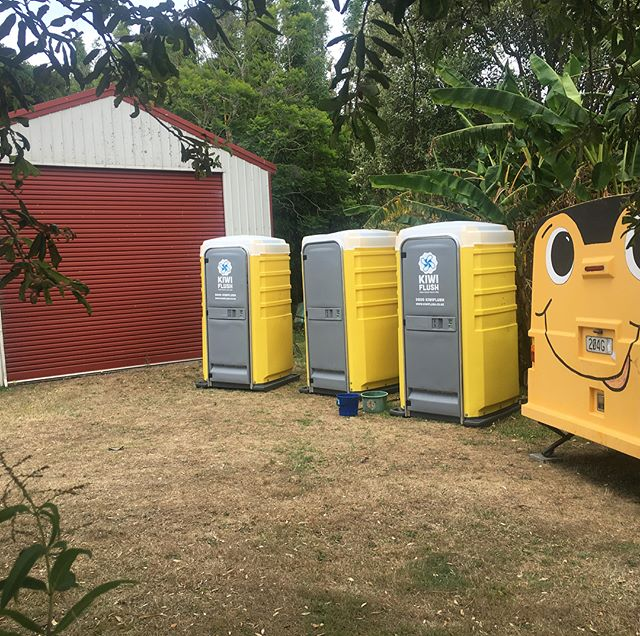 We deliver ALL over Auckland (and further!). We discovered this beautiful spot whilst delivering showers and fresh flushing loos for happy glampers!  #dudersbeach #glamping #freshflush #summer #campingnz