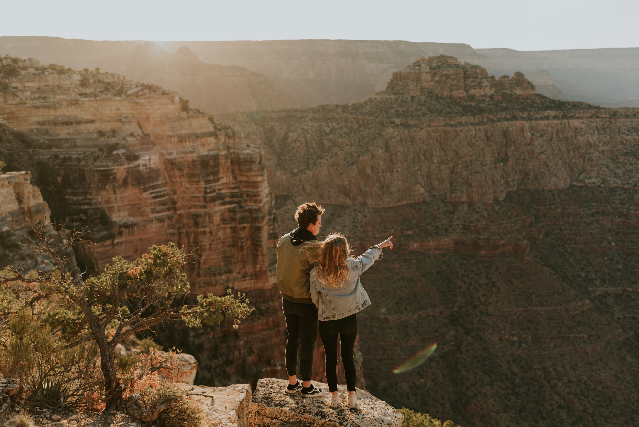 delcynoahgrandcanyoncouplessessioncarrierogersphotography-34.jpg