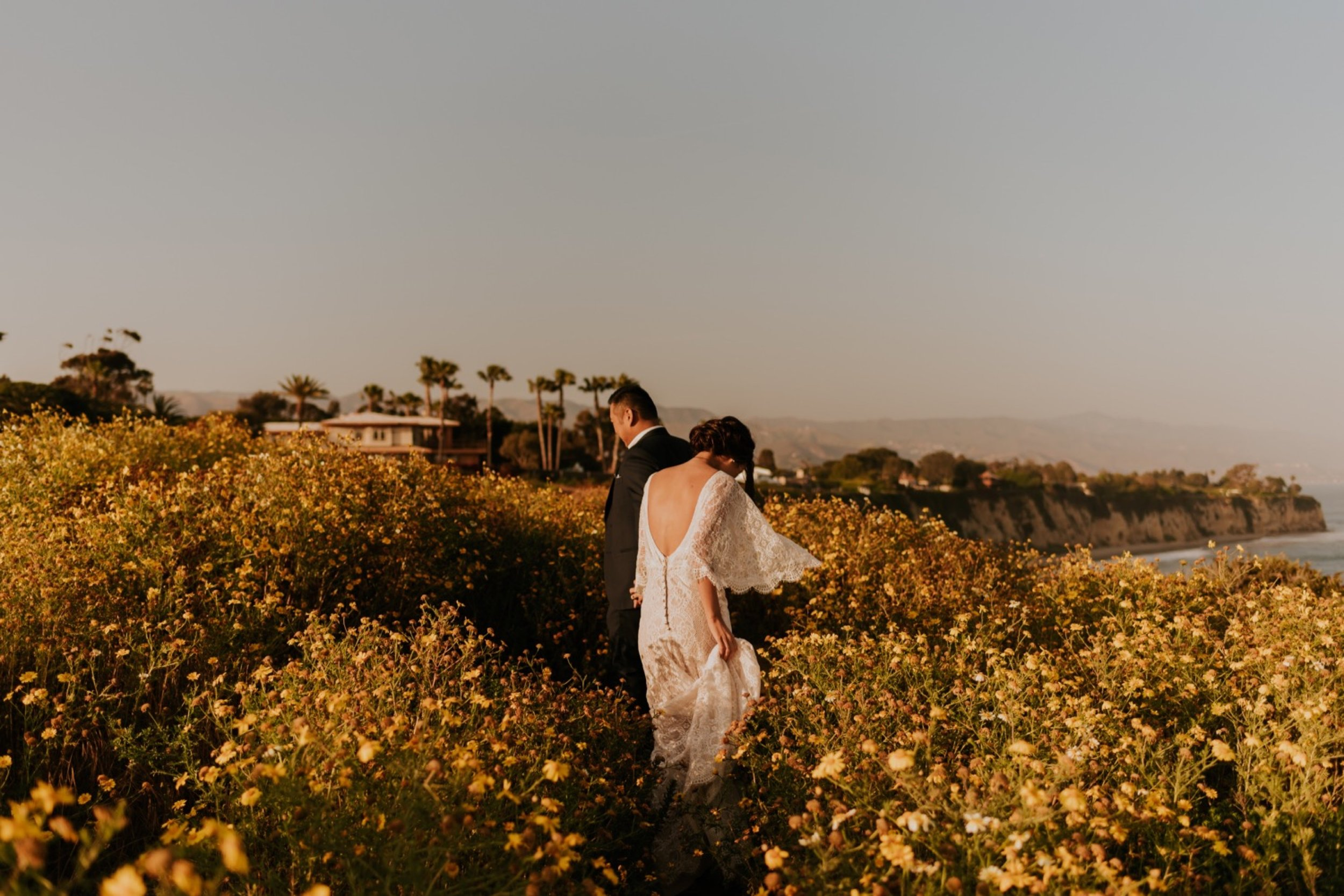 Point Dume, Malibu Engagement Session | Carrie Rogers Photography | Malibu Wedding Photographer | Malibu Cliffside Elopement | #elopement #couples