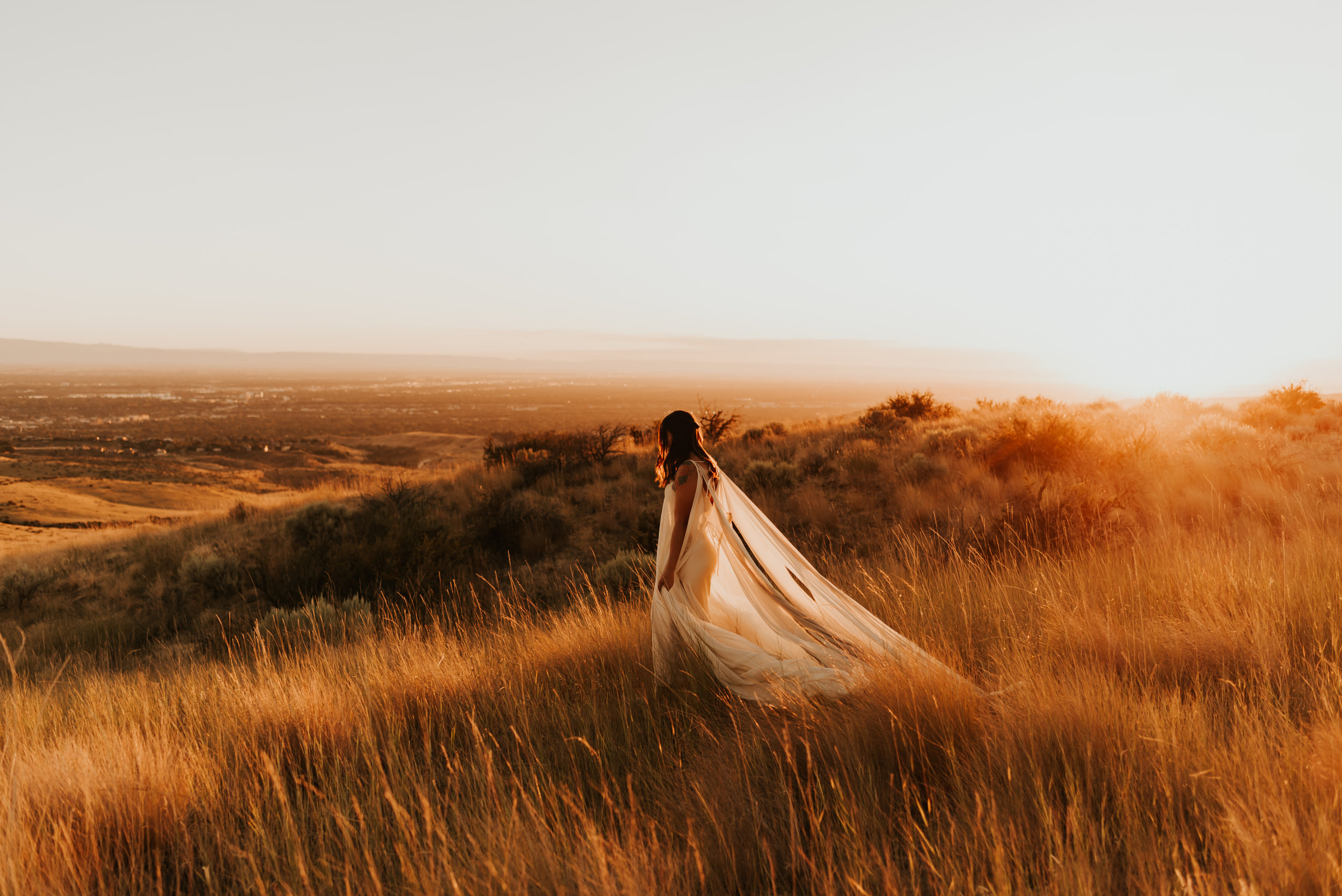Boise Foothills Bridal Session | Idaho Elopement | Intimate Boise, Idaho Wedding | Carrie Rogers Photography | Daci Gowns