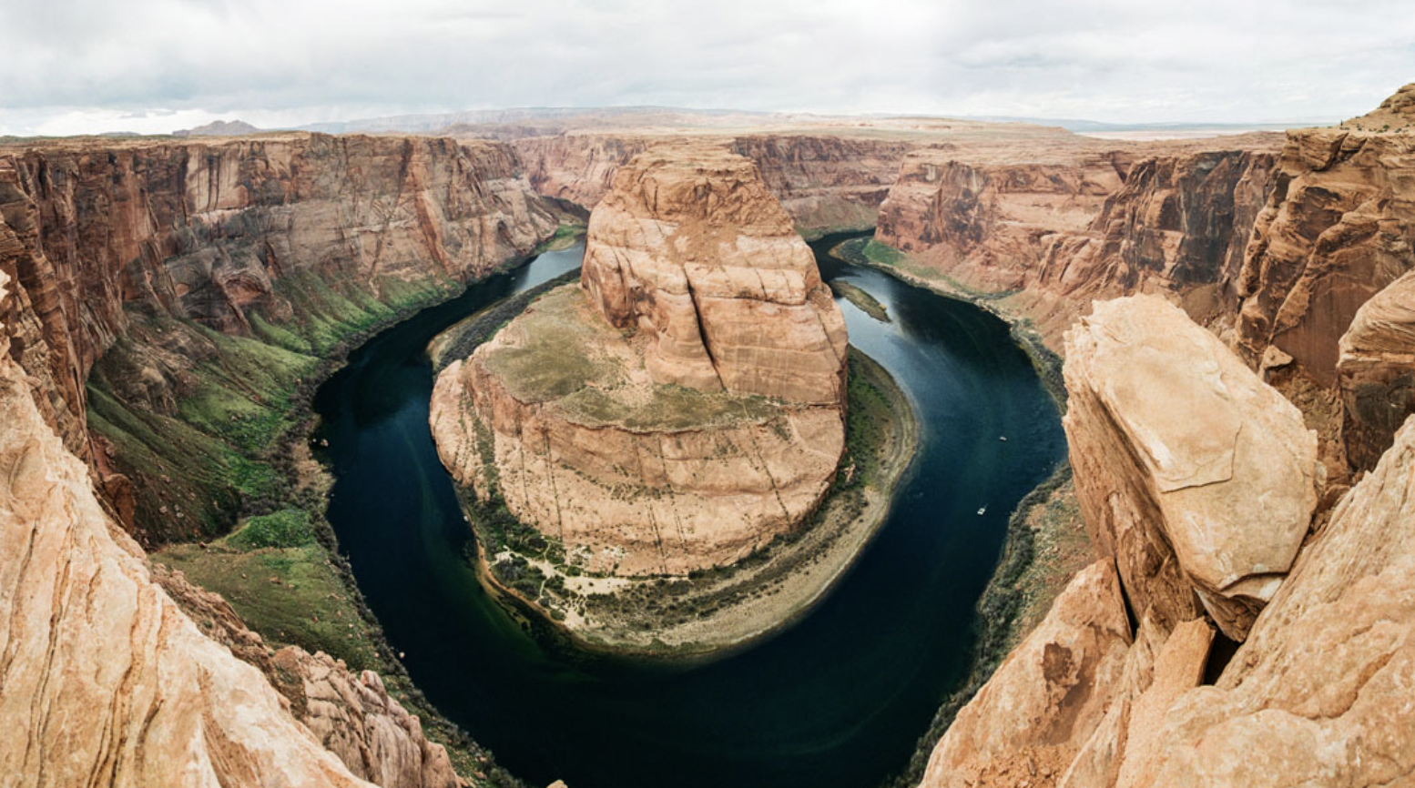 Using Photomerge for Landscapes - an article for shoot it with filmand a video for IGTV