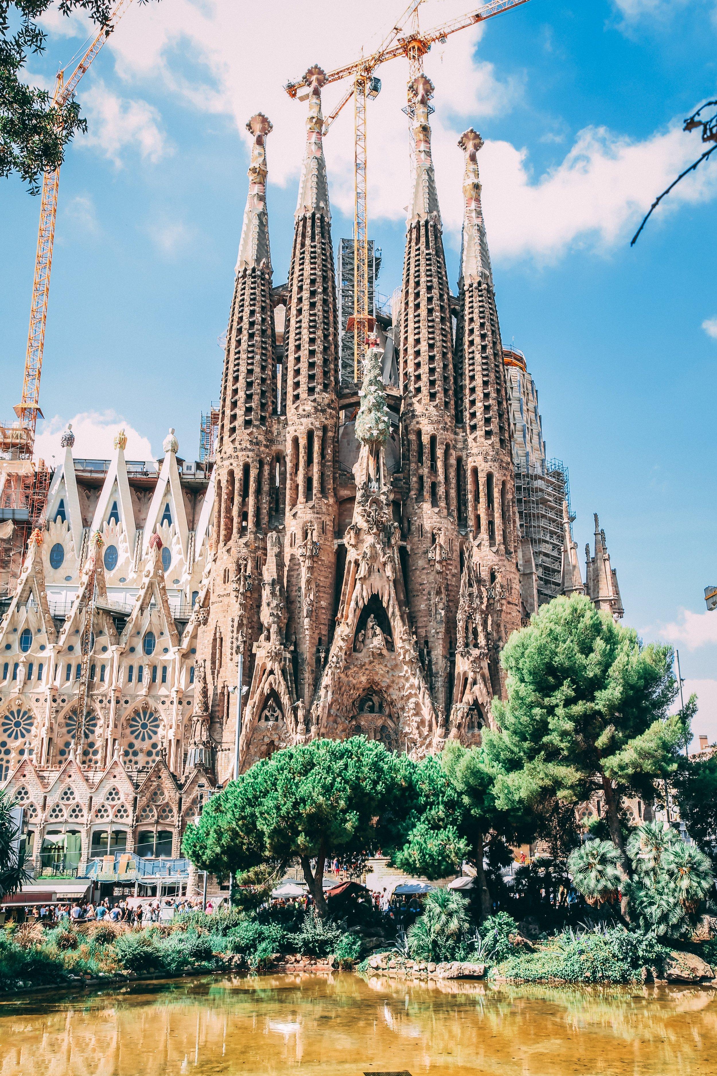 architecture-barcelona-blue-sky-819764.jpg