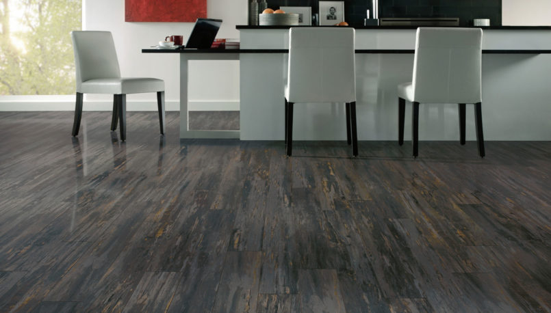 grey-laminate-flooring-colors-with-light-grey-interior-furniture-design-805x458.jpg