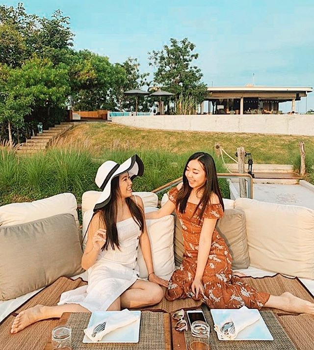 Miss Penny Pathanaporn & Miss Jivonne Lin on a cute dinner date👯‍♀️💕 #followchisto #THAILAND