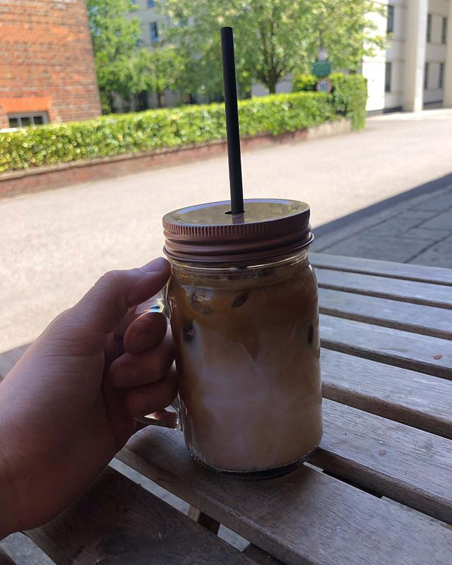 It might still be a bit chilly outside...But the SUN'S out! Which can mean only one thing... it's ice coffee time! 😍❤️ come and grab yours 💕😍 • • • #copperjoes #icecoffee #coffee #theroastingparty #peninsula #peninsulasquare #museum