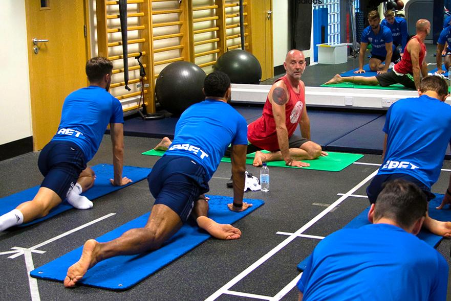 Higher_LCE_Yoga_WBA_02.jpg