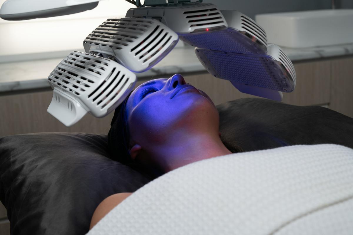 Healite LED II415nm wavelengthBlue Light - > treatment of active acne