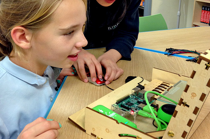 STEAM Enrichment - STEAM (Science, Technology, Engineering, the Arts, and Mathematics) is a hands-on experiential class offering advanced learning opportunities to high ability 21st century learners. Trained faculty guide student inquiry, dialogue, critical thinking and exploration in the STEAM content areas as students learn to take thoughtful risks, persist in problem-solving, embrace collaboration, and work through the creative process.