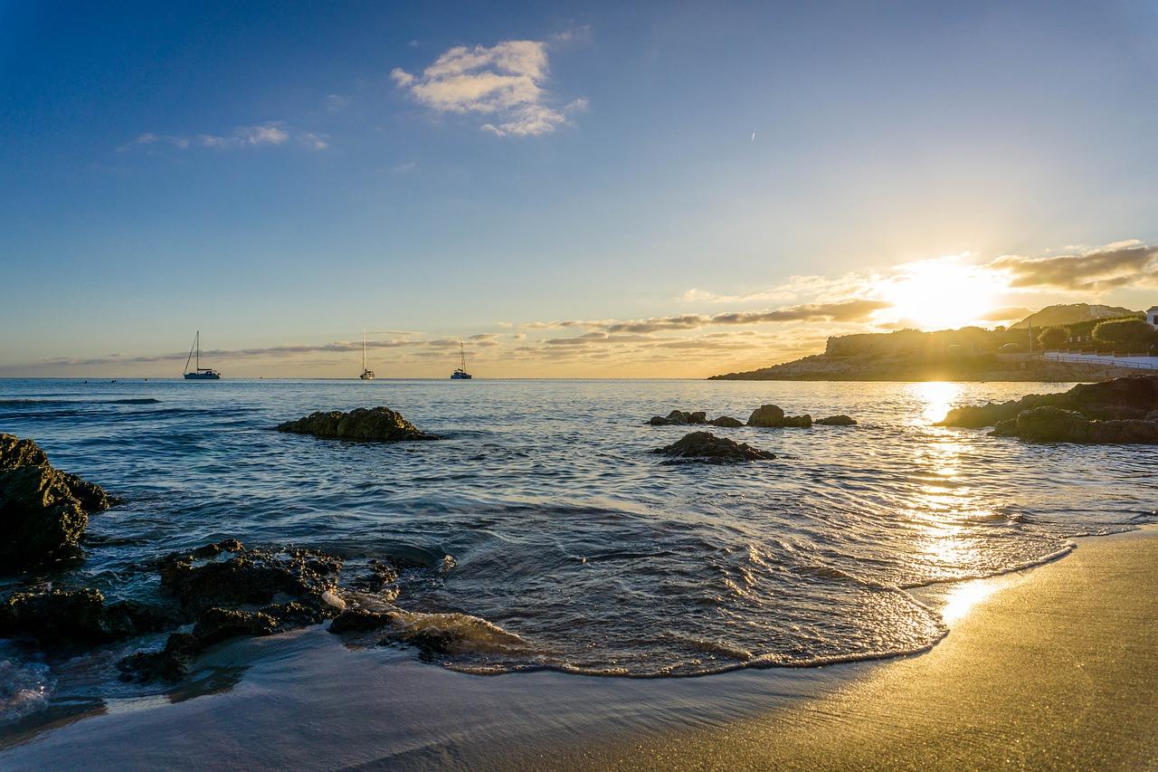 - discover an idyllic sunshine escape...