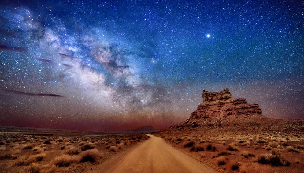 Diana-Robinson-Milky-Way-Sitting-Hen-Butte.jpg